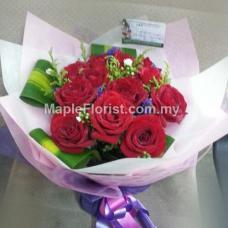 10 red roses bouquet