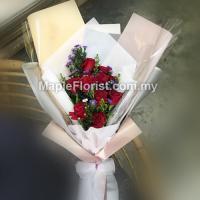 Romantic flowers bouquet