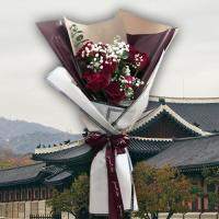 Korean style romantic bouquet (12 roses)