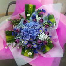10 tulips with hydrangea bouquet