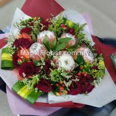 5 Protea with 20 roses bouquet
