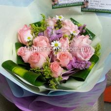 12 super roses bouquet